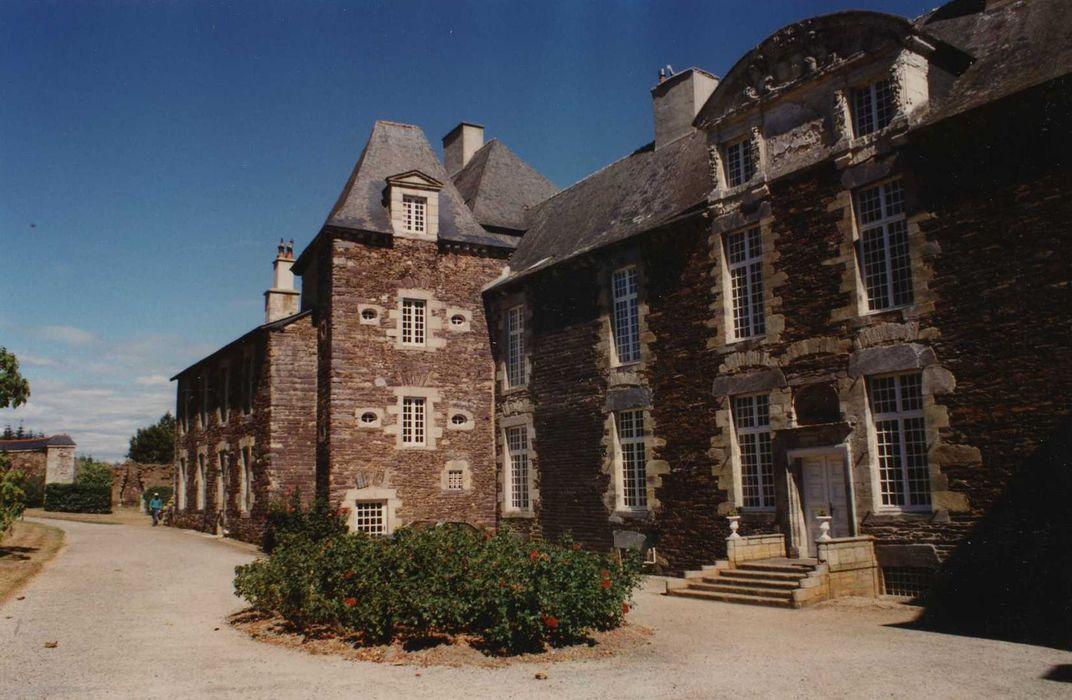 Château de Coëtbo: Façade ouest, vue partielle