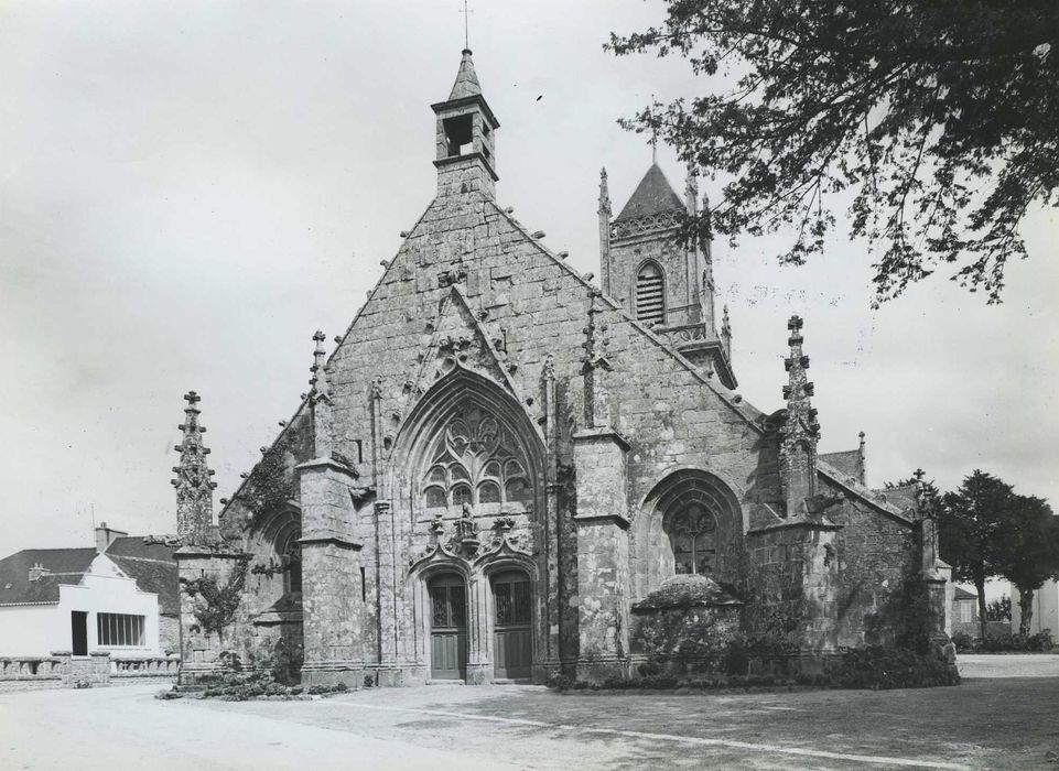 Eglise Saint-Pierre et Saint-Paul: Façade occidentale, vue générale