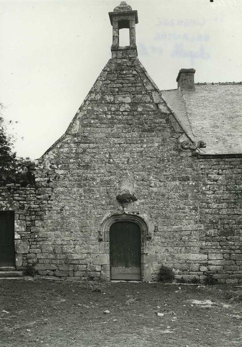 Chapelle Saint-Laurent: Façade occidentale, vue générale