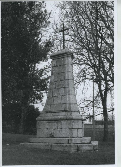 Monument expiatoire: Vue générale