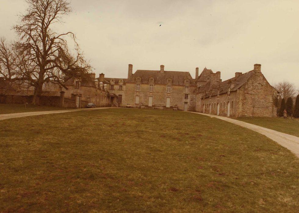 Château de la Grationnaye: Ensemble est, vue générale