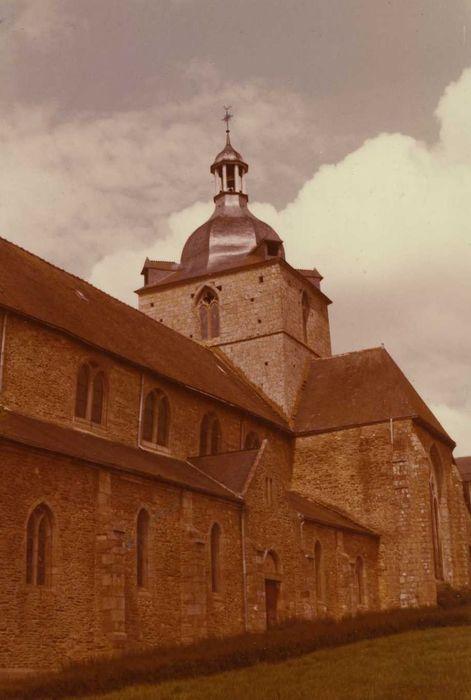 Eglise de la Trinité: Façade latérale sud, vue partielle