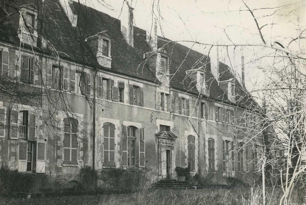 Ancienne abbaye Saint-Ambroix, puis hôtel de Bourbon: Façade est, vue générale