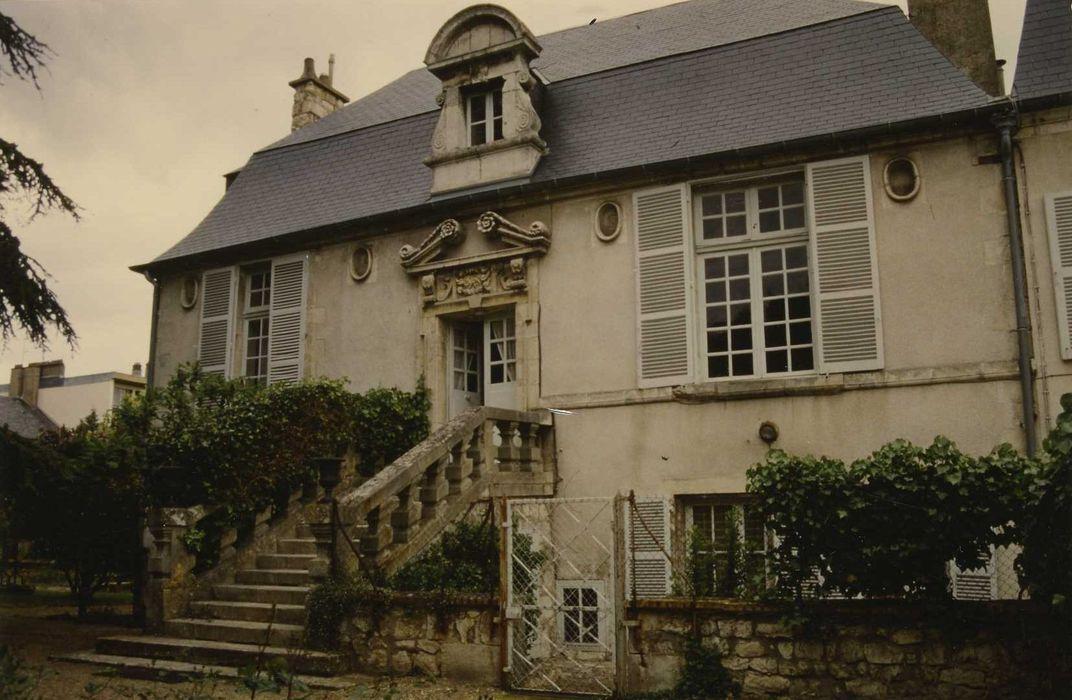 Maison du Château: Logis, façade sud, vue générale