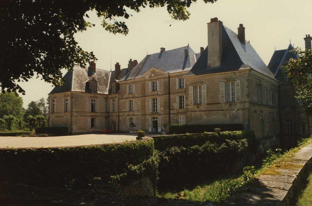 Château de la Maisonfort: Ensemble nord-ouest, vue générale