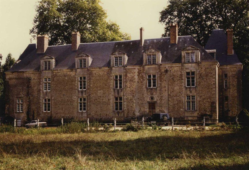 Château de Coulon: Façade ouest, vue générale