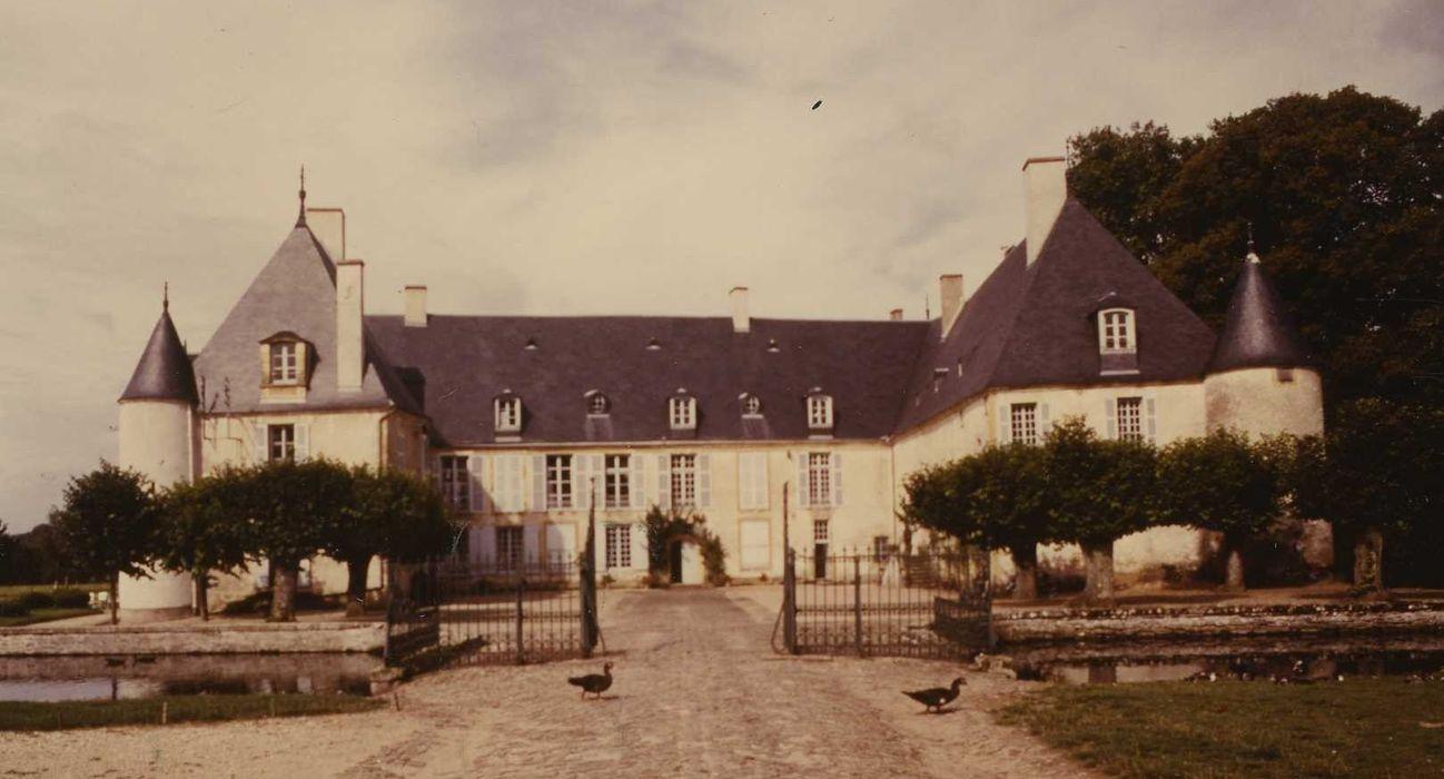 Château d'Autry: Ensemble est, vue générale