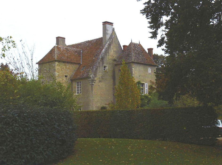 Château de Poisieux: Ensemble sud-ouest, vue partielle