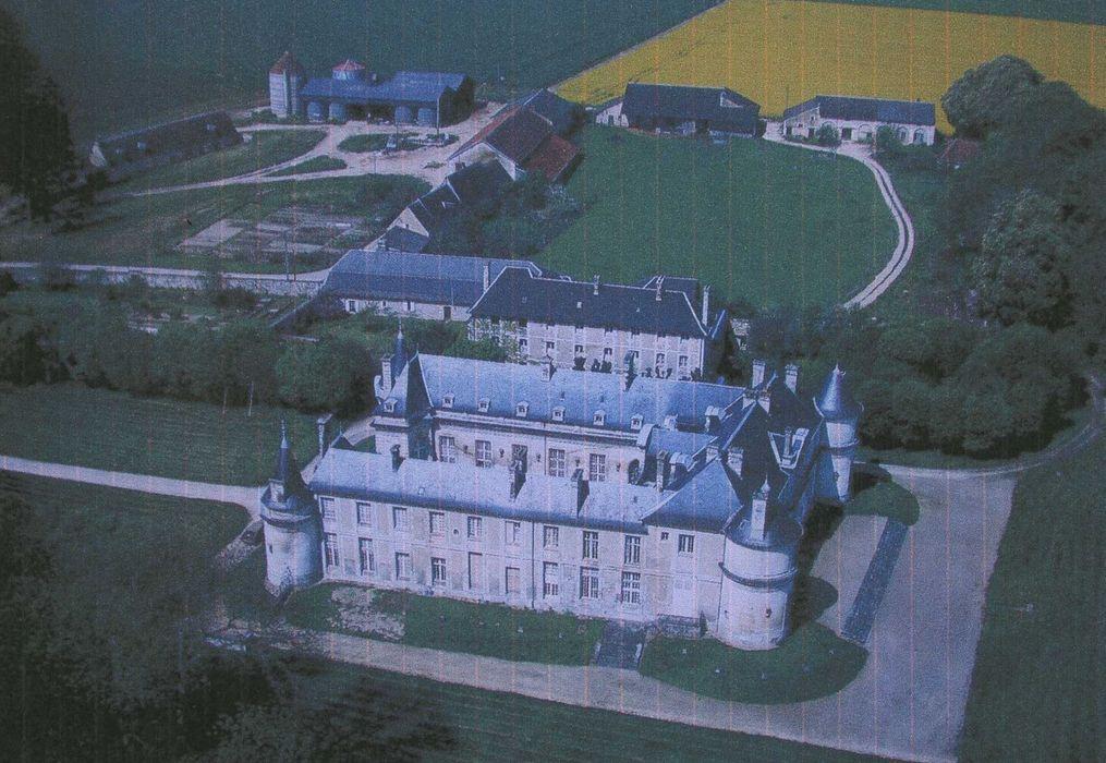 Château de Turly: Vue aérienne de l'ensemble du château