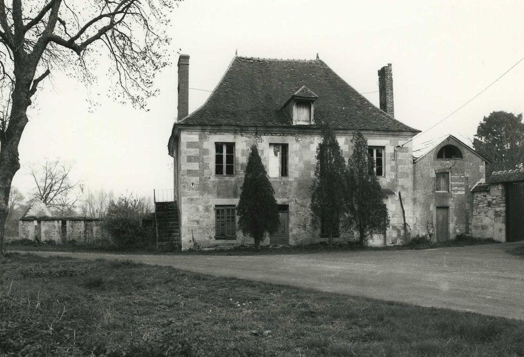 Petite Forge: Ancien logement des employés, façade ouest, vue générale