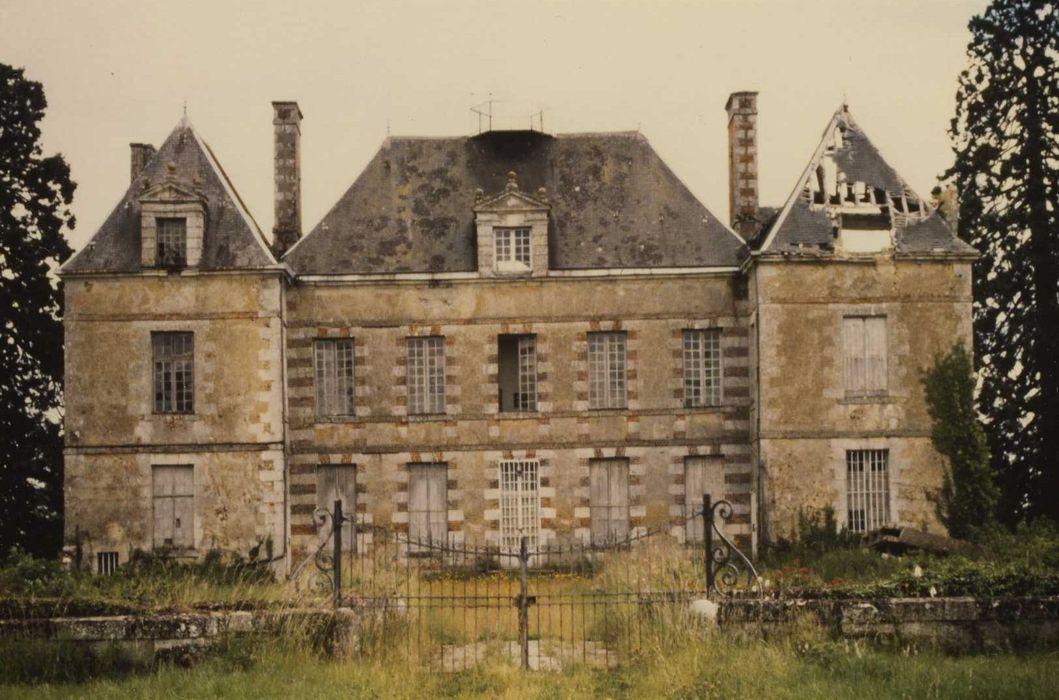 Château de Villemesle: Ensemble nord-ouest, vue générale