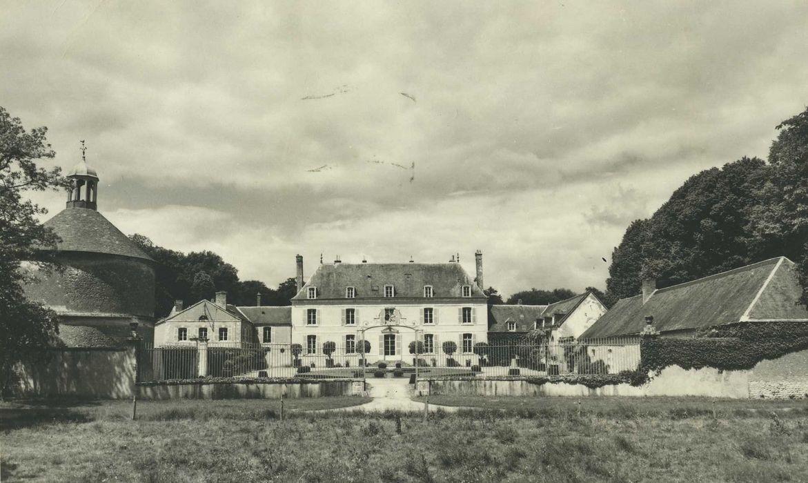 Château de Touchebredier: Ensemble est, vue générale