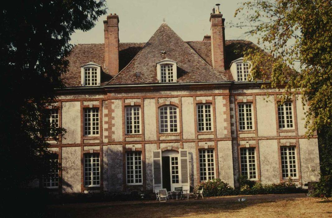 Ancien hôpital Saint-Jean: Façade nord-est, vue générale