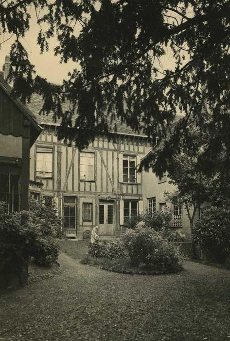 Maison dite de Tante Léonie: Façade sur jardin, vue générale