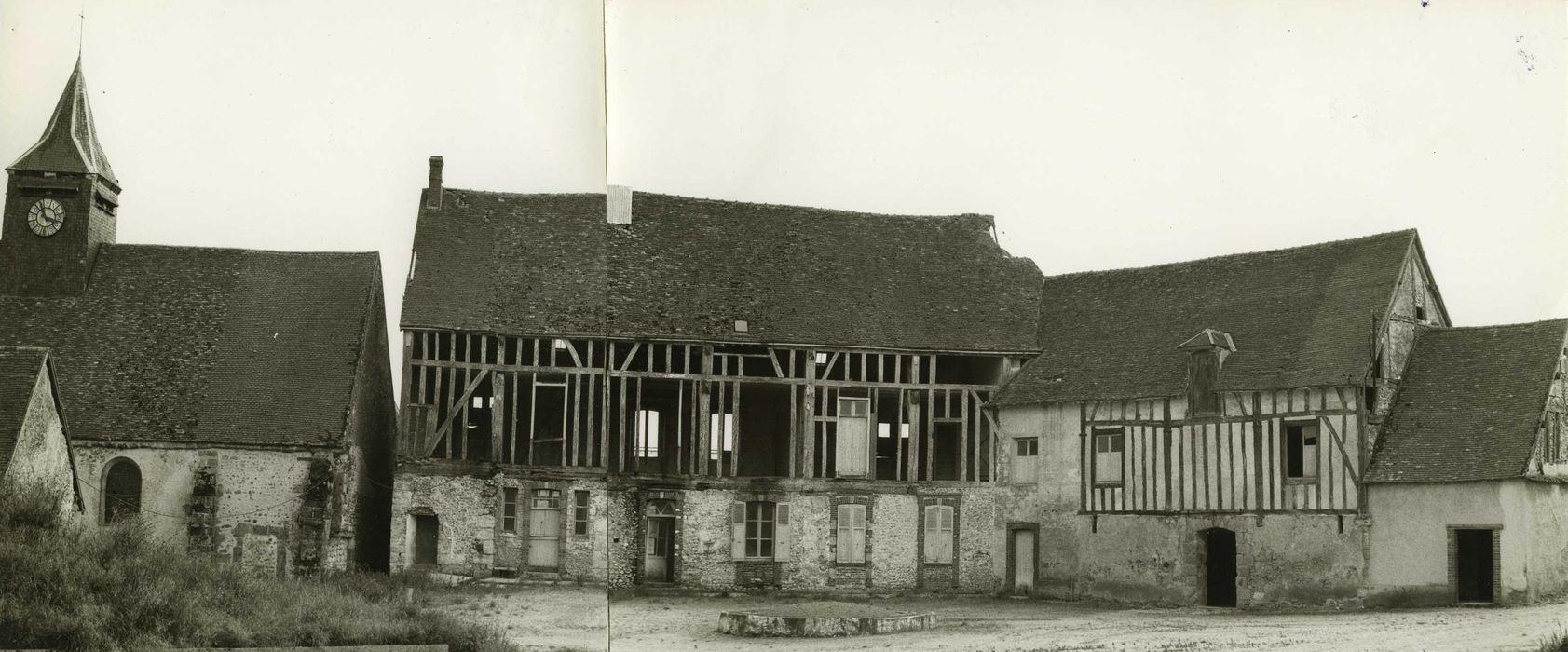 Eglise Saint-Léger: Cour intérieure, ensemble nord-est, vue générale
