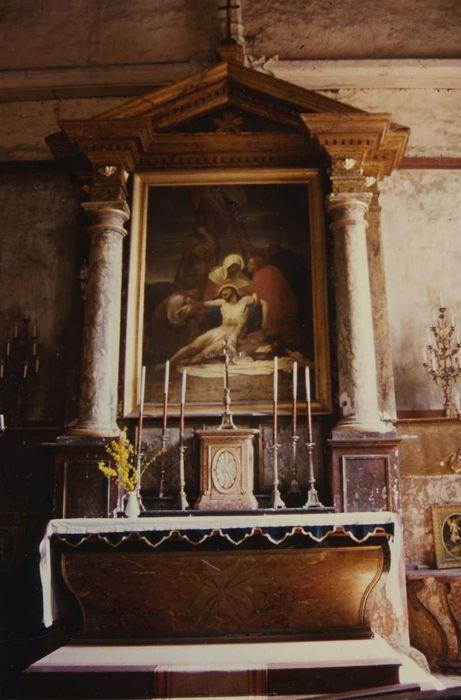 Retable du maître-autel avec sa toile peinte : la Déposition de Christ