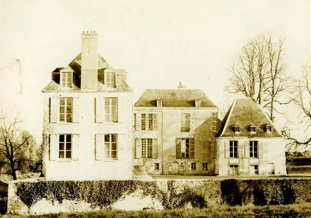 Château: Ensemble sud-ouest, vue générale