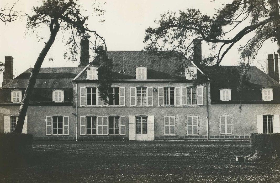 Château de Villeprévost: Ensemble ouest, vue générale
