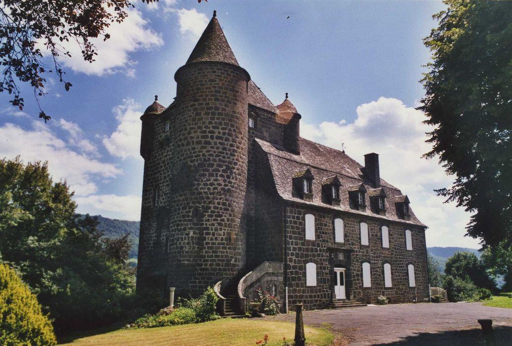 Château de Comblat: Ensemble nord-ouest, vue générale