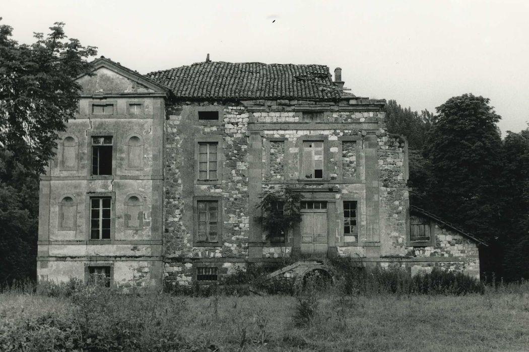 Château du Doux: Façade nord, vue  énérale