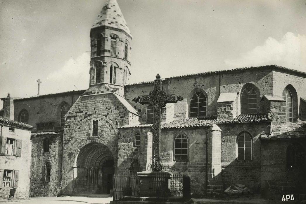 Eglise Saint-Médard, ancienne église collégiale