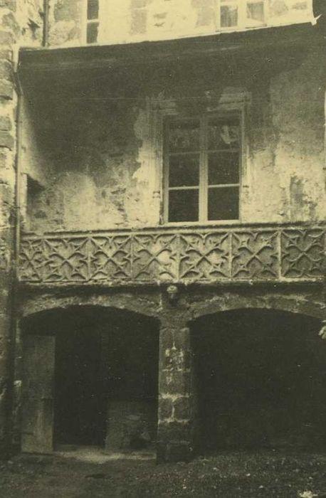 Maison de Bargues: Cour intérieure, vue partielle