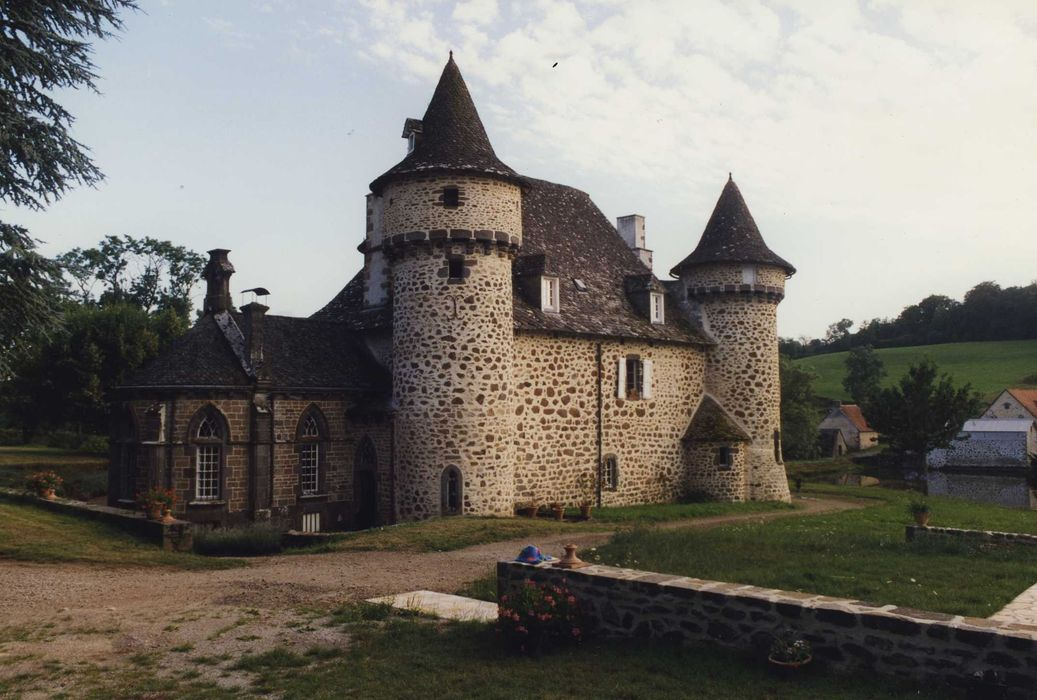 Château: Ensemble nord-est, vue générale