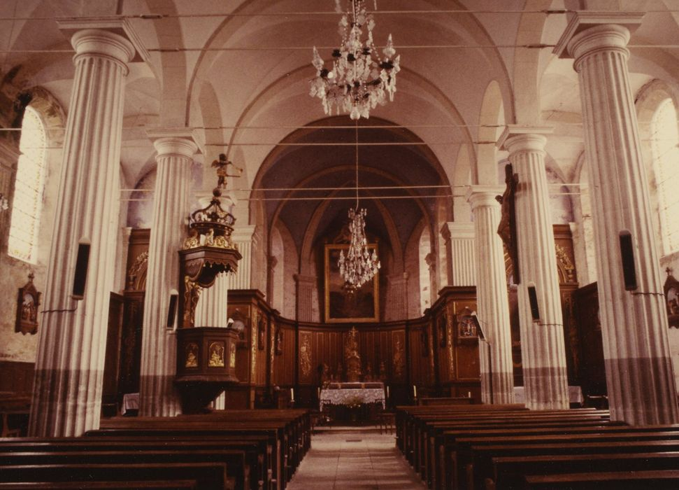 Eglise: Nef, vue générale