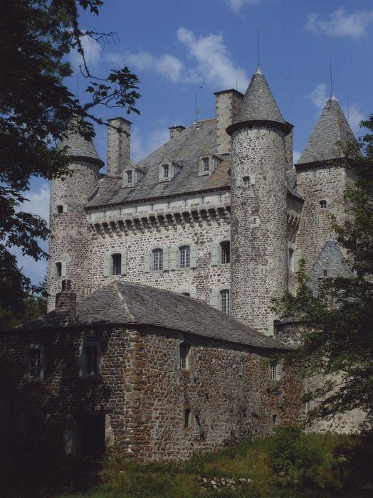 Château de Vachères: Façade ouest, vue partielle