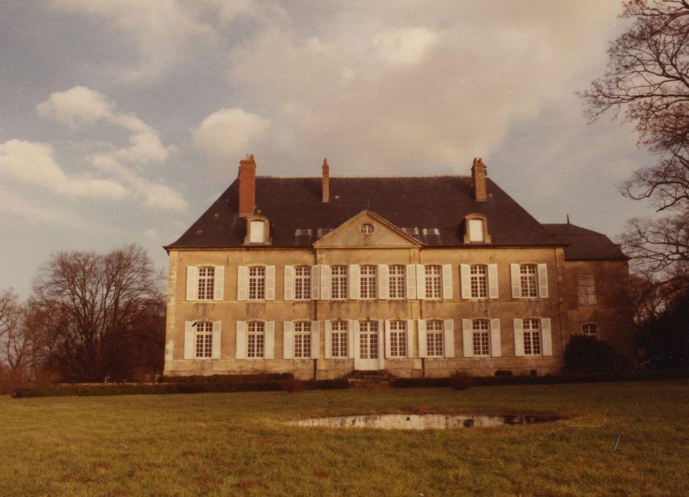 Château de Sermoise: Façade ouest, vue générale