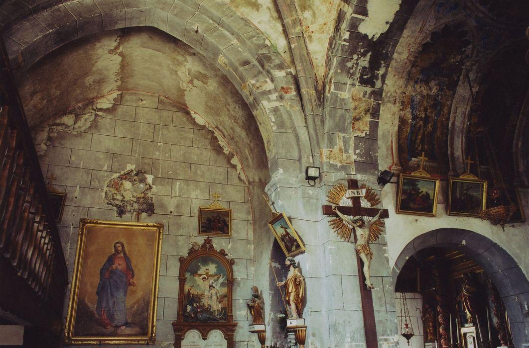 Eglise Saint-Hilaire de Moissac: nef, mur nord, vue partielle