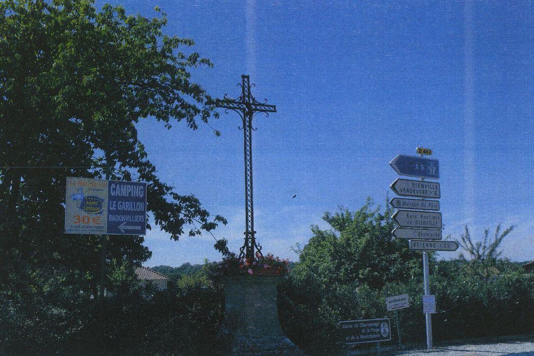 Croix de carrefour, vue générale