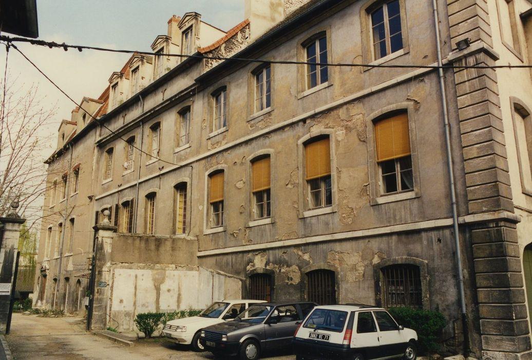 Ancien palais épiscopal: Façade sud dur jardin, vue générale