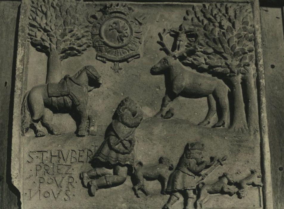 Maison: Détail du bas-relief représentant la légende de saint Hubert