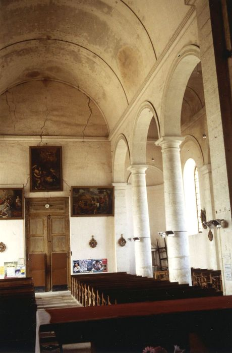 Eglise Saint-Martin: Nef, vue partielle