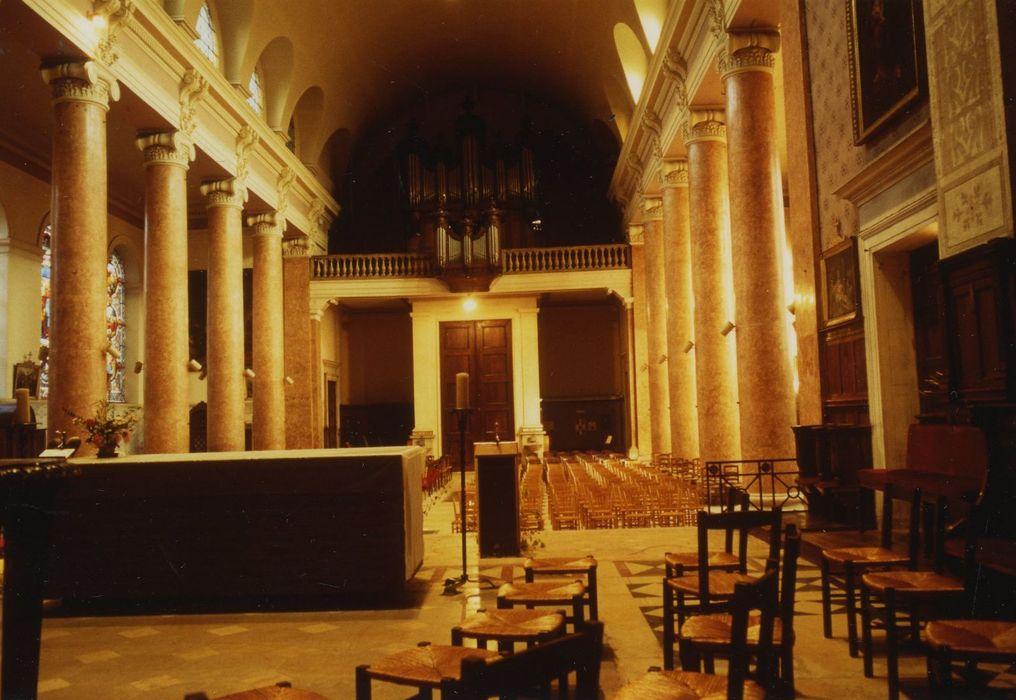 Cathédrale Saint-Vincent (nouvelle église Saint-Vincent): Nef, vue générale