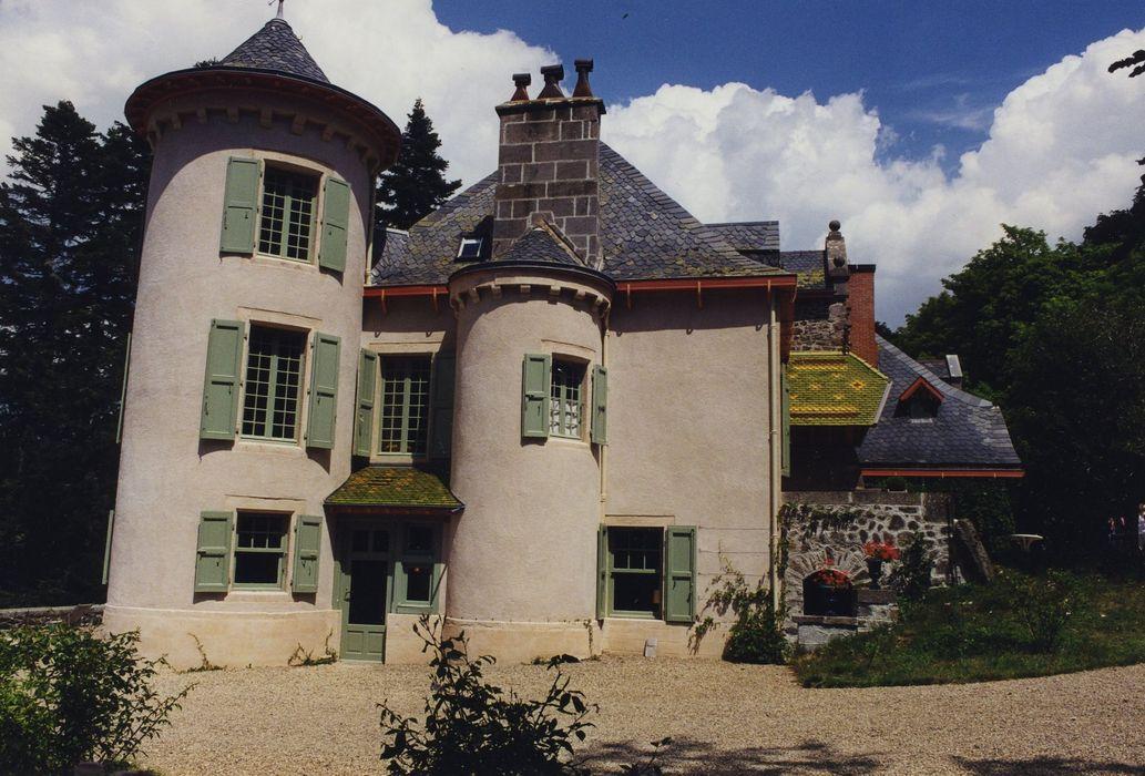 Château de la Cheyrelle: Façade ouest, vue générale