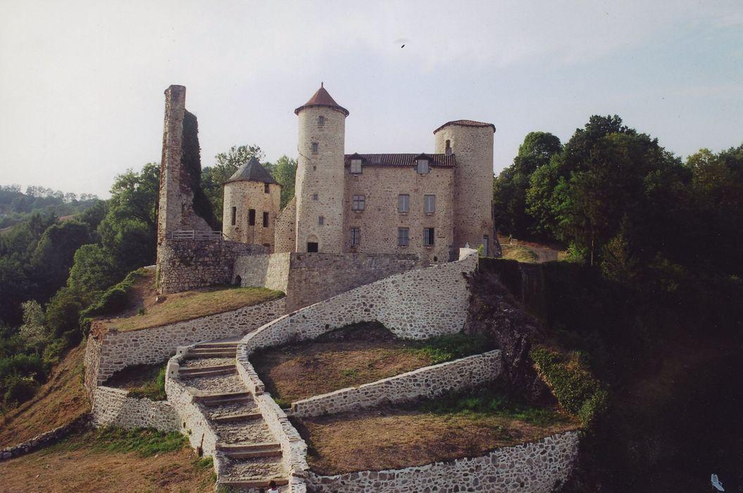 Ancien château ou château de Laroque: Ensemble sud-est, vue générale