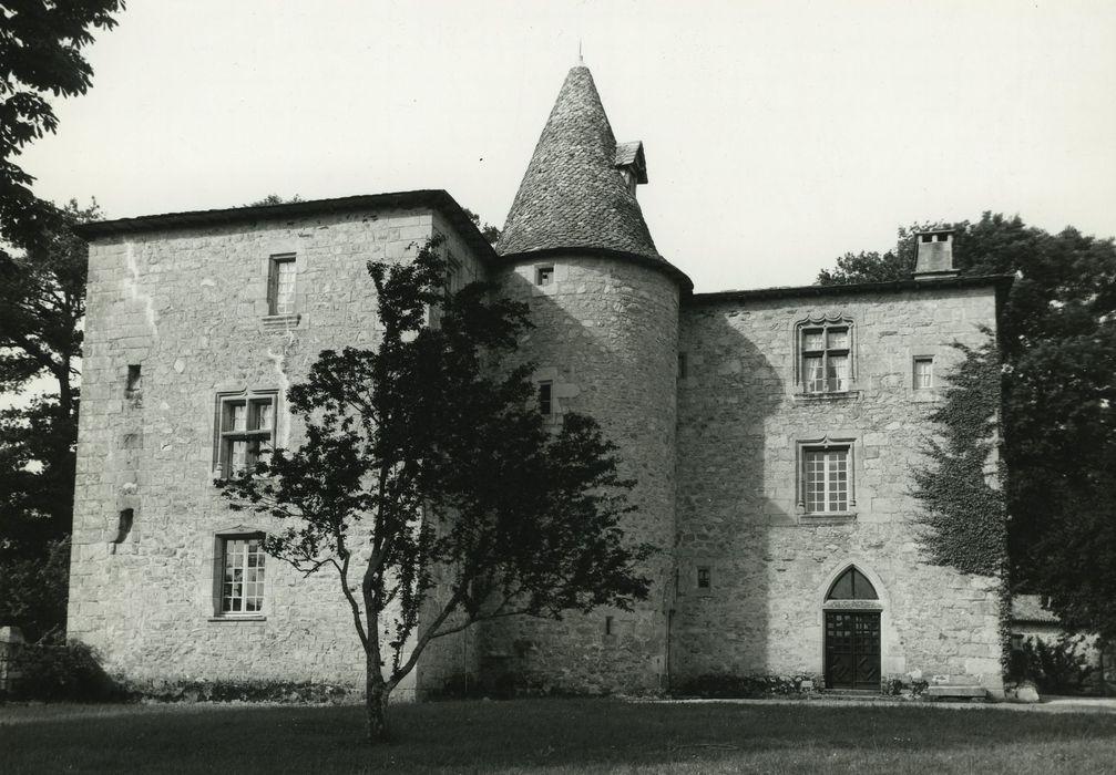 Château de Messac: Façade sud-ouest, vue générale