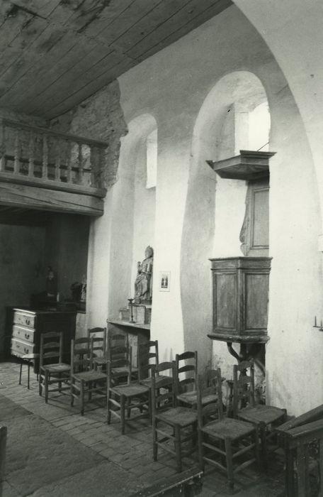 chaire à prêcher, chaises