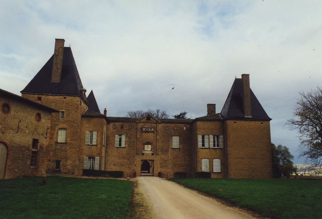 Château de Layé: Ensemble sud, vue générale