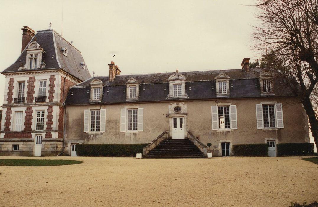 Château de Vassy: Façade nord, vue générale