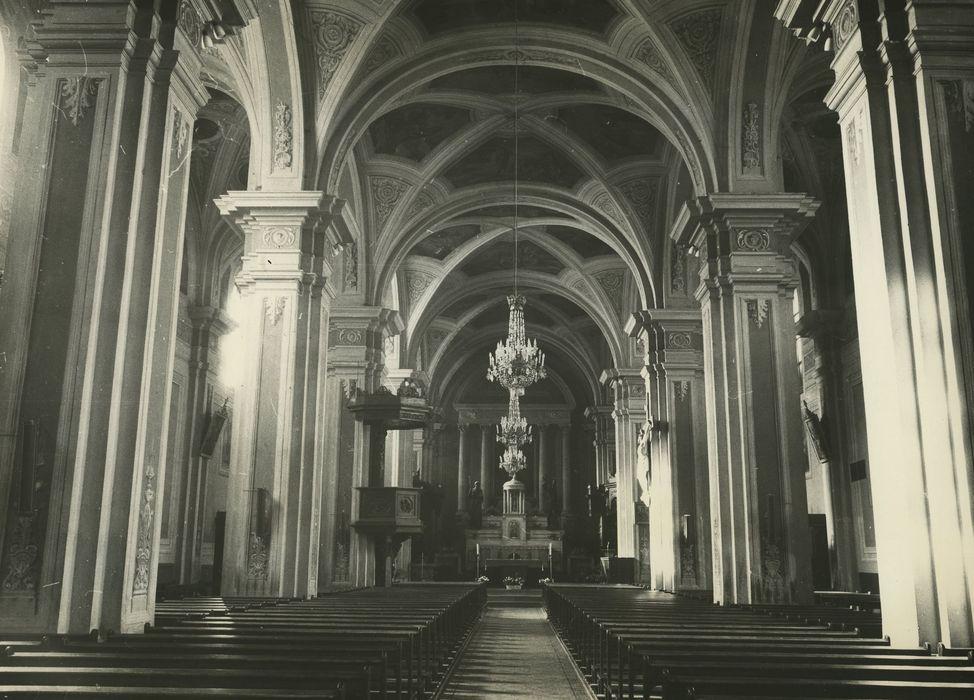 Eglise Saint-Jacques: Nef, vue générale