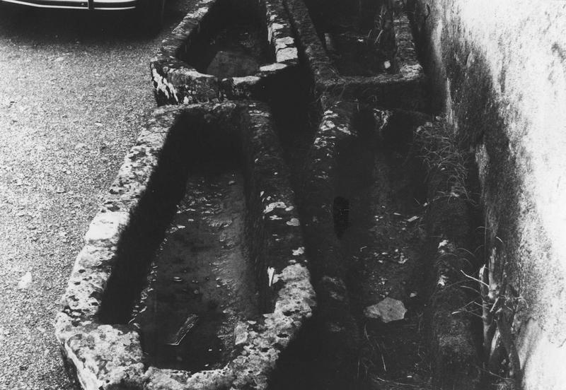 Trois sarcophages n°6