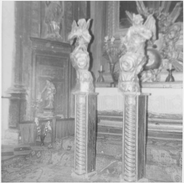 Statues: anges adorateurs, vue générale