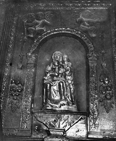 Groupe sculpté : sainte Anne la Vierge et l'Enfant, vue générale
