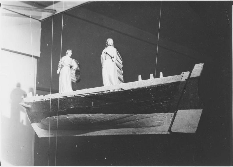 Ex-voto : deux saintes dans une barque, vue générale