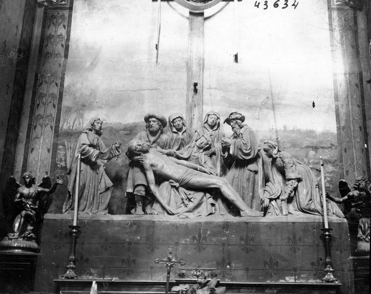 Groupe sculpté : la Descente de Croix