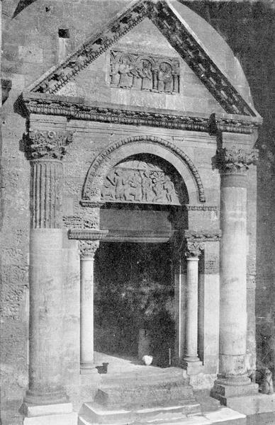 2 bas-reliefs : la Visitation et l'Annonciation, Daniel dans la fosse aux lions et la tentation d'Eve