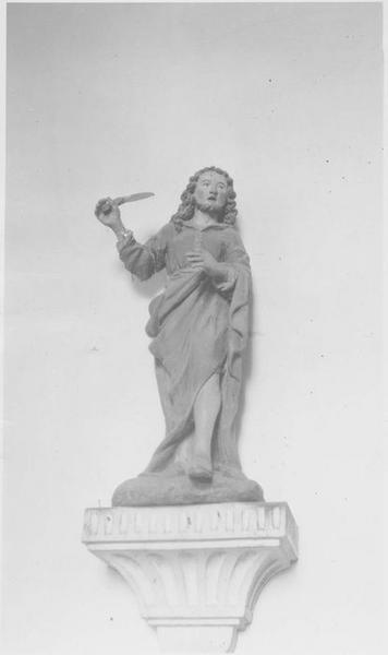 Statue: saint Crespin, vue générale